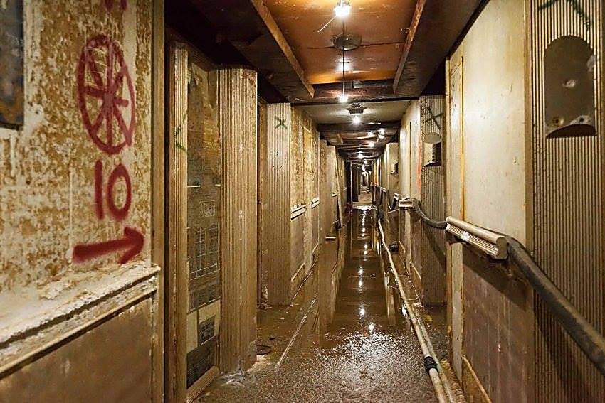 Es sind veröffentlichte Fotos eines klugen Interieurs von versenktem ...