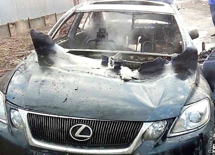 ВОдессе, всгоревшем «Лексусе», обнаружили труп валютчика