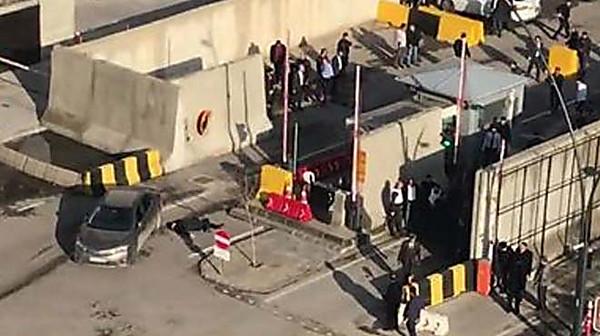 ВТурции террориста-смертника убили увхода в строение милиции