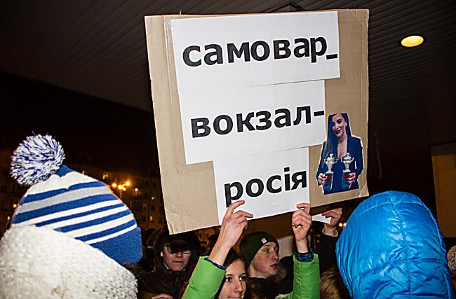 ani-lorak-pokazivaet-zhopu-film-pro-lyubov-mezhdu-devushkoy-s-devushkoy-lesbiyanki