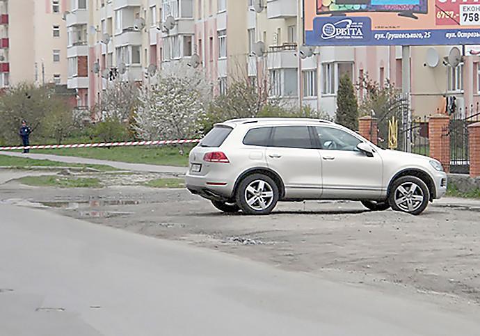 Киевскому предпринимателю подложили РГД-5 под днище автомобиля