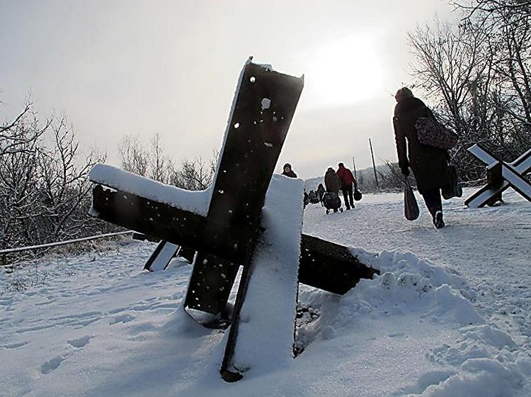 Впроцессе обстрелов трое украинских военных получили ранения