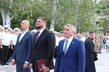 Марш военных, выставка техники и полевая кухня - николаевцы отметили День ВМС Украины