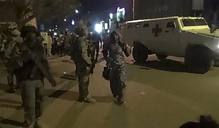 126 человек спасены в ходе штурма отеля в столице Буркина-Фасо