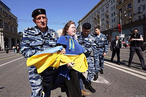 Российский суд осудил двух новосибирцев за покраску памятников Ленину в цвета украинского флага - Цензор.НЕТ 5627