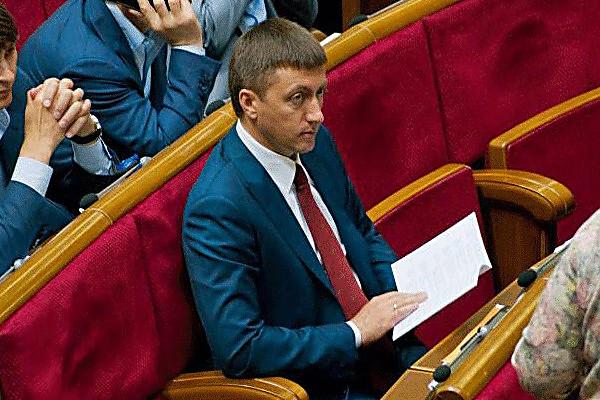 Депутат подрался ссотрудником СБУ при исполнении— Гитлянская