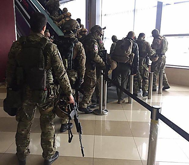 Украинский спецназ провел в«Борисполе» обучение позадержанию «русской мафии»,