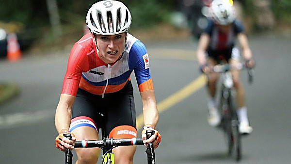 Голландская велогонщица сломала позвоночник впроцессе гонки. РИО