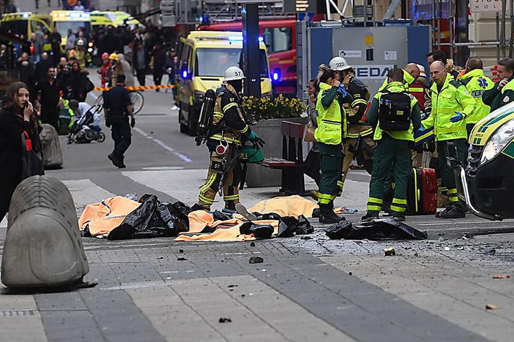 СМИ проинформировали обобнаружении взрывчатки взадавившем людей грузовике