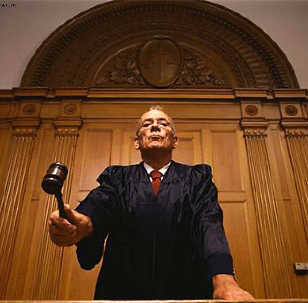 Судья сказала чтобы все кончали на осужденную, сиськи малые соски