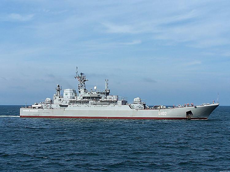РФ разбирает на детали украинские корабли вКрыму— Киев