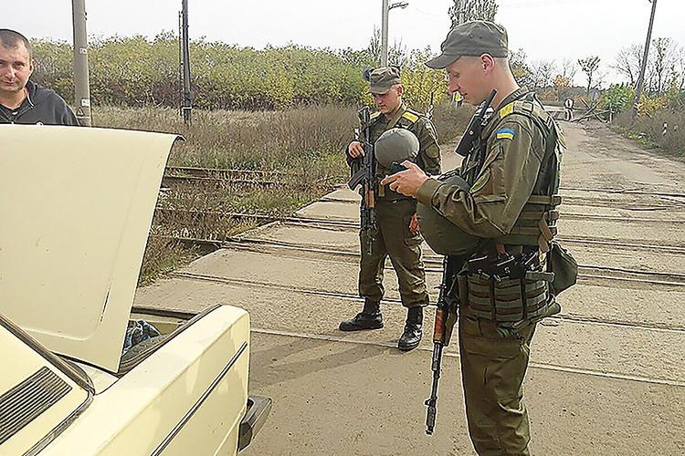 ВДонбассе задержан боевик ДНР— прикрывался женщиной сребенком