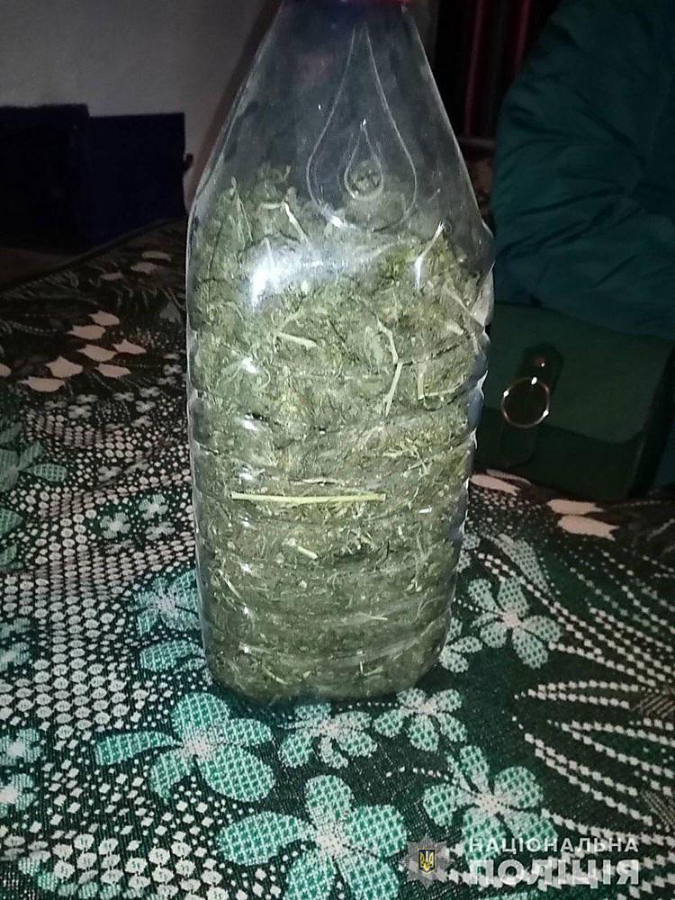 У жителя Николаевщины изъяли более 1 кг марихуаны, фото-1