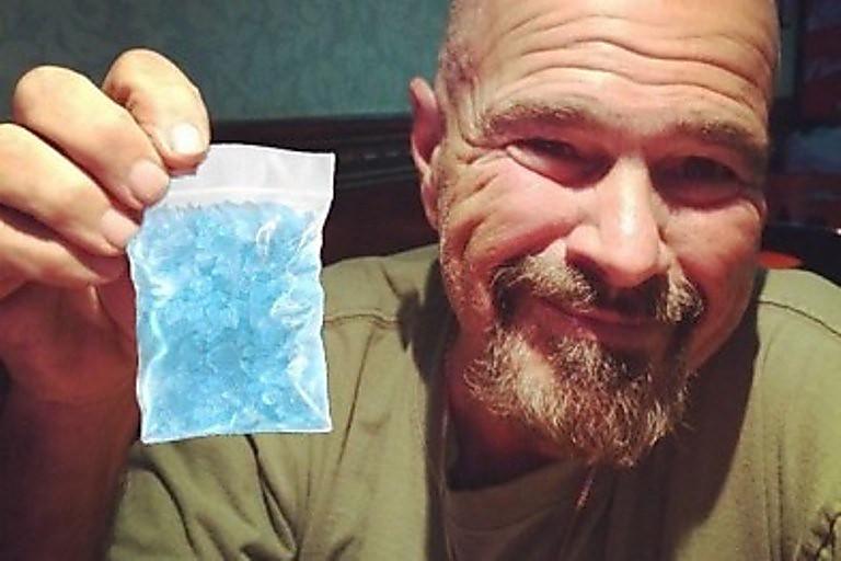 ВЗапорожской области СБУ задержала полицейского, который употреблял наркотики ипродавал их,