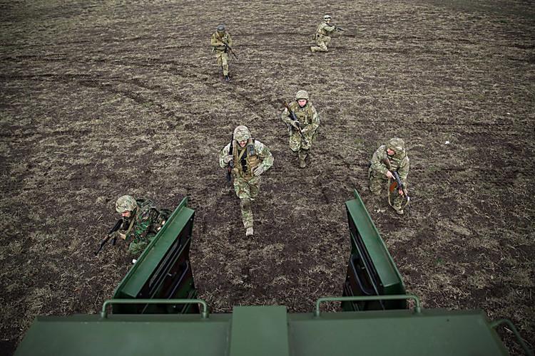 Турчинов под Светлодарском: ВСУ будут реагировать напровокации
