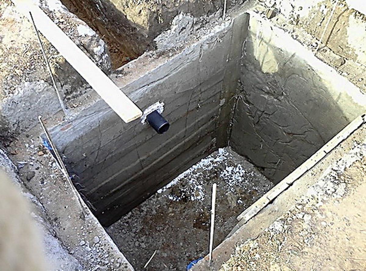 Как построить туалет на даче с выгребной ямой своими руками поэтапно фото