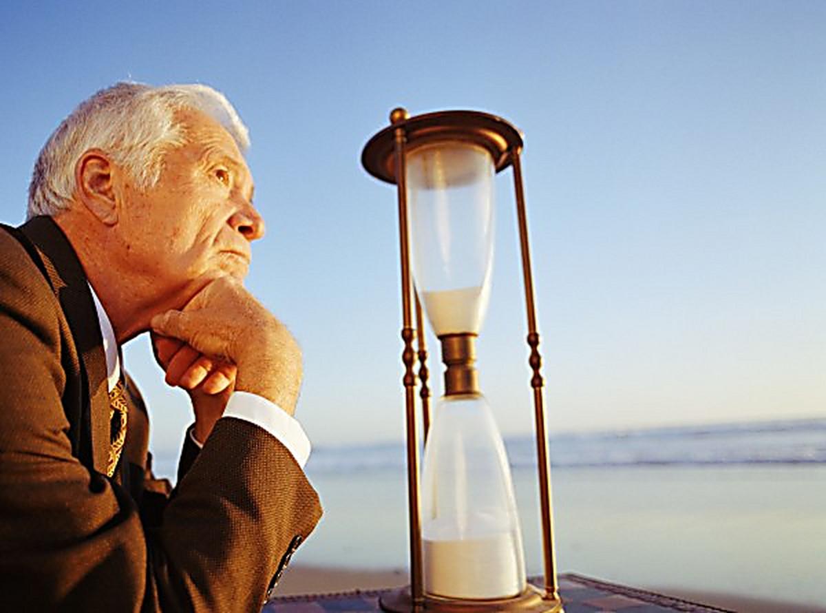 should politicians have a retirement age