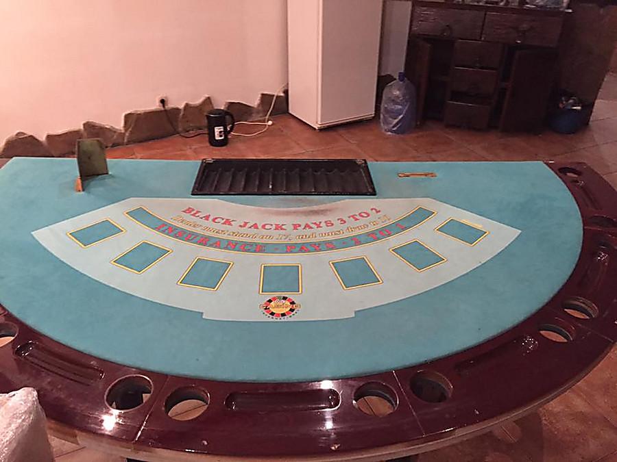 Казино оборудование столы рулетка настольная минск