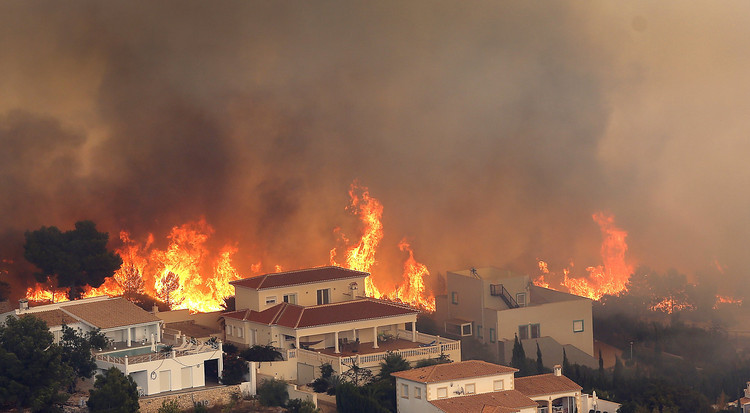 вечером картинки пожаров в городе представлены все